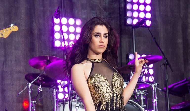 Hija de Carlos Vives Lucy Vive se besa con Lauren Jauregui de Fifth Harmony: [Fotos] Hija de Carlos Vives conmociona las redes por besarse con otra mujer