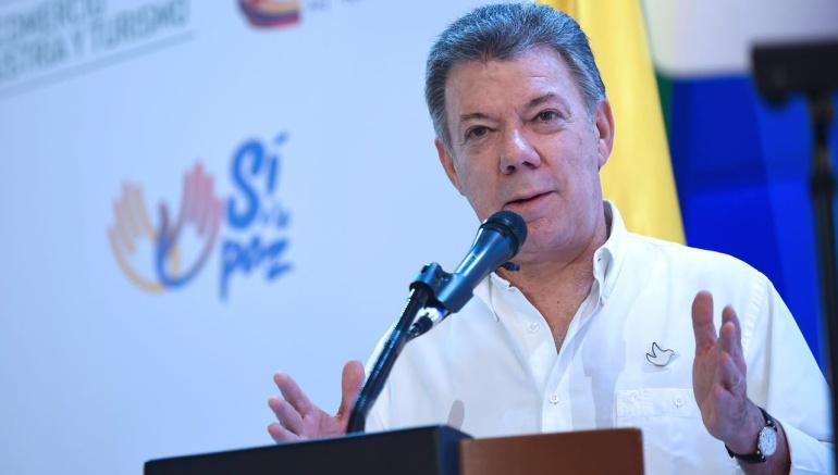 Santos viaja a EE.UU. para exámenes médicos y agenda con funcionarios y parlamentarios