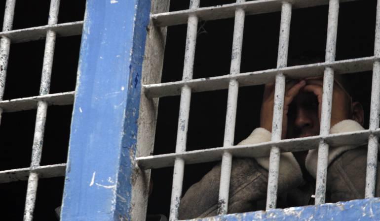 Presuntos abusos del Inpec a presos de Medellín: Denuncian presuntos abusos del Inpec a presos de las Farc en la cárcel de Medellín