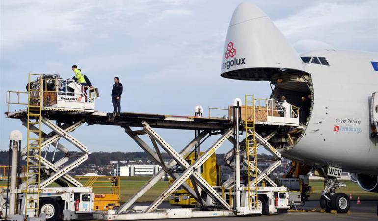 Avión solar: Avión Solar vuelve a casa, pero continúa el reto en favor energías renovables
