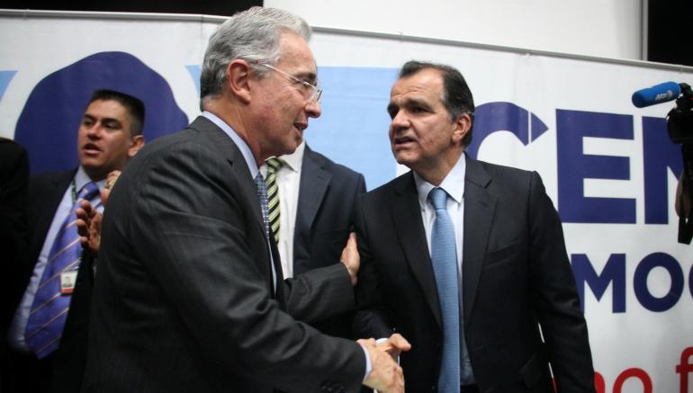 Óscar Iván Zuluaga inicia su camino a la presidencia