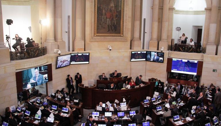 Senado de Colombia acaba de refrendar Acuerdo Final de Paz.