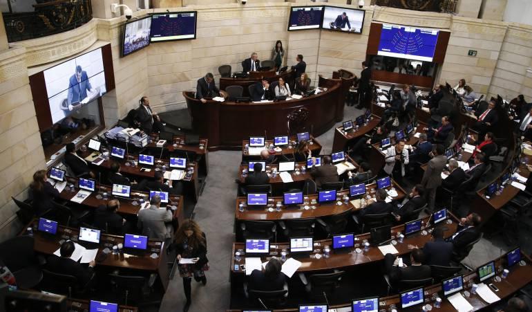 Gobierno expide decreto convocando a sesiones extras en el Congreso