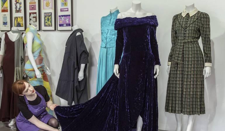 Subastan lujoso vestido que era de la princesa de Gales: Subastarán 3 vestidos de Diana de Gales, uno de ellos por 63.600 dólares