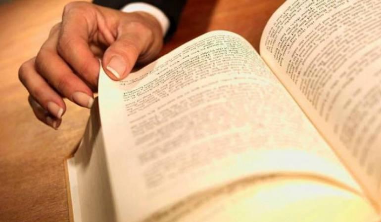 Menos de la mitad de los colombianos son lectores de libros, revela el Dane
