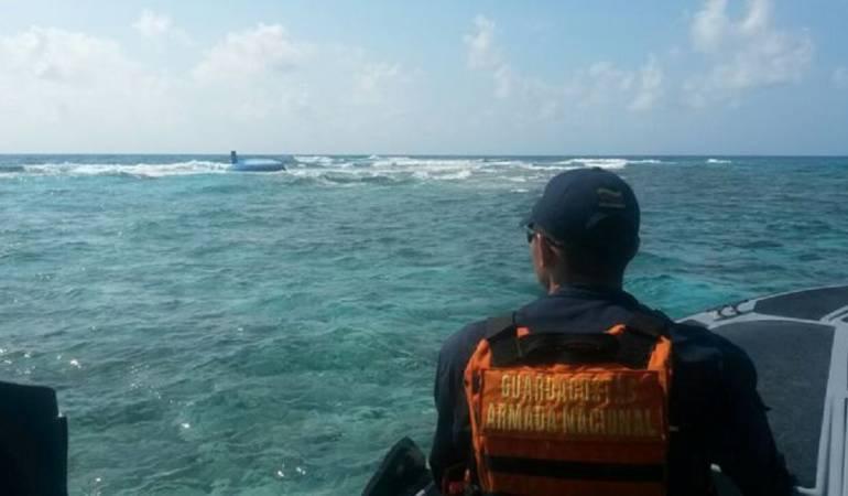 El que falta por rescatar estaba en calidad de detenido por transportar droga en una embarcación