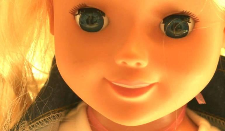 Muñeca Cayla y robot iQue espian a niños: La muñeca Cayla y otros juguetes interactivos a los que acusan de espiar a niños