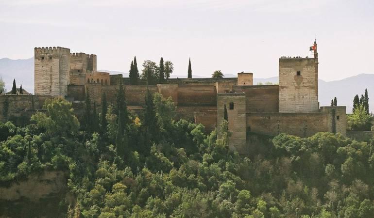 mensajes ocultos en Alhambra en España: Qué dicen los más de 9.000 mensajes ocultos en los rincones de la maravillosa Alhambra en España