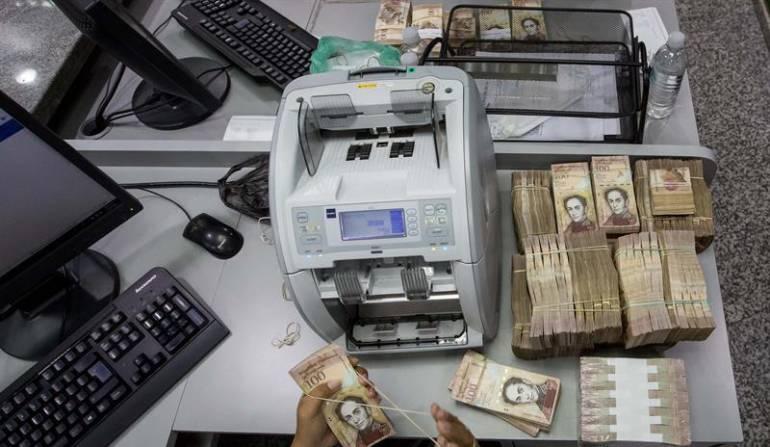 Cambios de billetes en Venezuela: Caos en Venezuela por cambio de billetes para enfrentar la devaluación