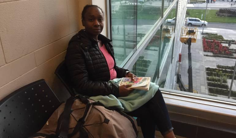 Mujer viviendo en El Dorado: El futuro de la turista de EE.UU. que vive en las sillas del Aeropuerto El Dorado