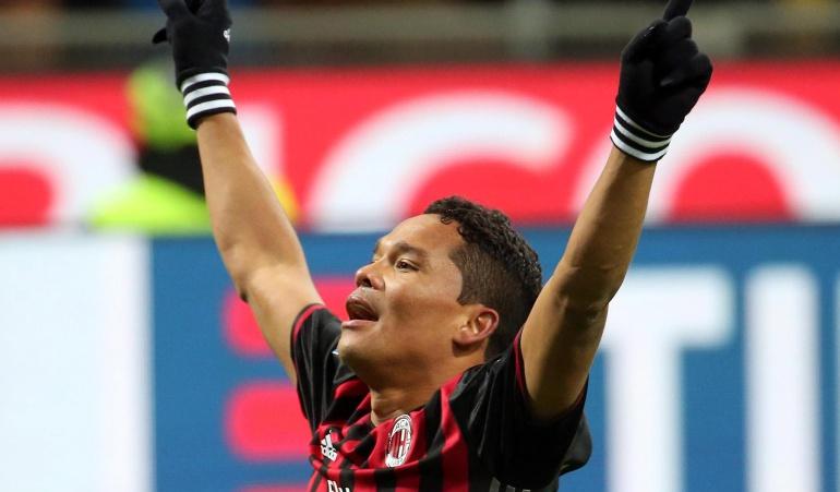 Carlos Bacca vuelve al gol y es héroe en la victoria del Milan ante Cagliari
