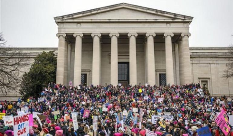 """Canción de """"Marcha de las Mujeres"""" se vuelve viral"""
