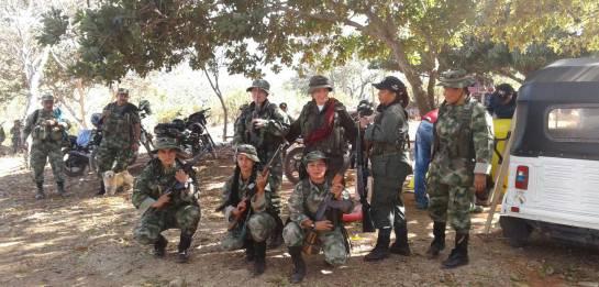 Video de guerrilleros llegando a la zona de concentración en La Paz: Así llegan los guerrilleros a La Paz
