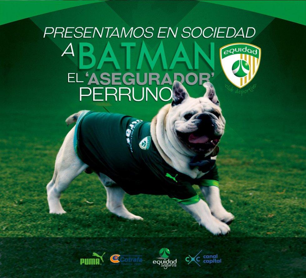 Batman hizo su primera aparición pública en el partido contra Junior, por la primera fecha de la Liga Águila I 2017.