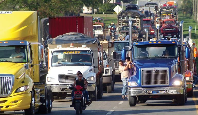 Costos del transporte triplicados por cierre de la vía al llano: Camioneros: Costos del transporte triplicados por cierre de la vía al llano: Camioneros