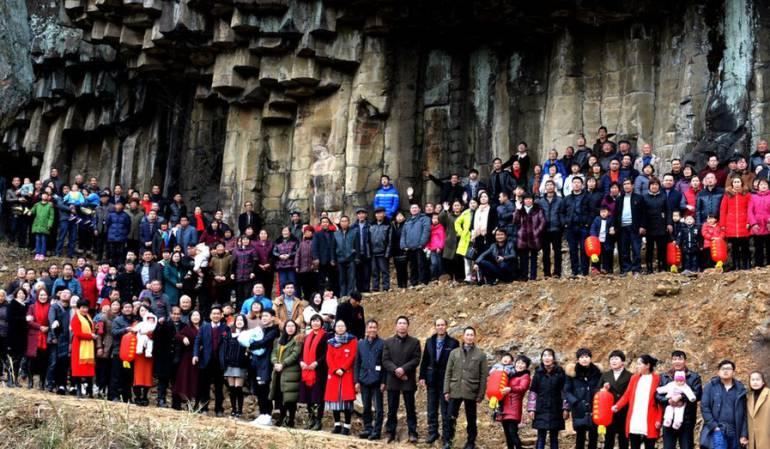 Año nuevo chino, 500 miembros de una sola familia para una foto: ¿Cómo lograron reunir a más de 500 miembros de una sola familia para una foto?