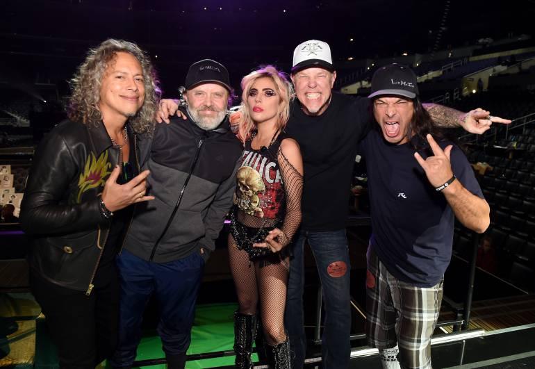 Lady Gaga compartió en Instagram una imagen en la que se le puede ver junto a los integrantes de Metallica.
