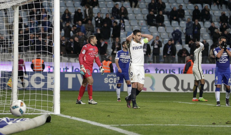 Bastia 1-1 Mónaco Falcao: Con Falcao, Mónaco cede dos puntos ante el Bastia y ofrece ventajas al PSG