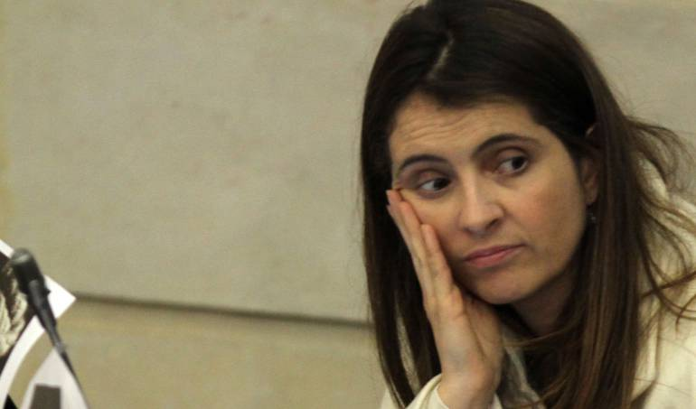 """House of cards mencionó a Plaoma Valencia en su cuenta de twitter: El mensaje de """"House of Cards"""" a la senadora Valencia"""