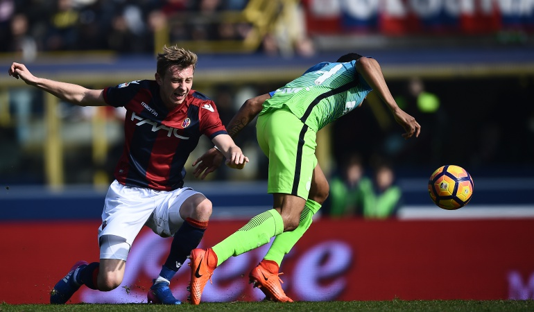 Murillo lesión Bologna: Murillo abandonó juego ante el Bologna con una molestia en la pierna derecha