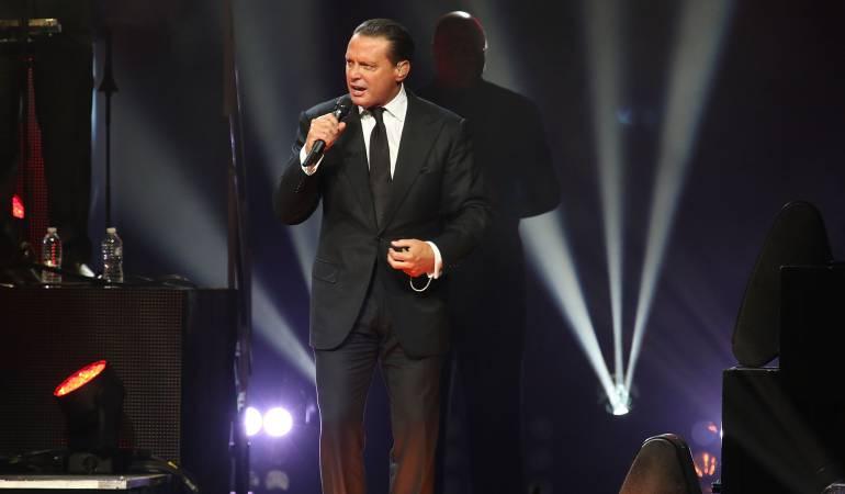 El cantante Mexicano Juan Manuel.