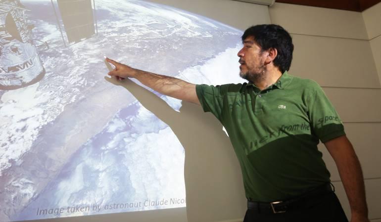 """El astrobiólogo chileno, Armando Azúa, dijo que no es """"descabellado pensar"""" que microorganismos y células presentes en el desierto de Atacama provengan de Marte."""