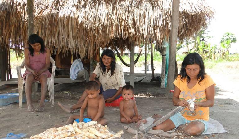 Integrantes de la tribu Nukak Maku