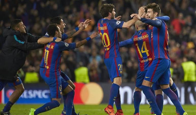 El equipo Barcelona celebrando su triunfo.