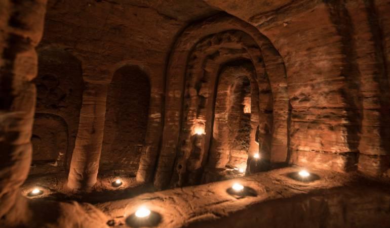 Lo que parecía ser un a madriguera de conejos c omún y corriente dentro de una granja en Reino Unido condujo al descubrimiento de un santuario subterráneo que u saban los devotos de una orden religiosa medieval. Pero ,  ¿es sólo eso o hay algo más?