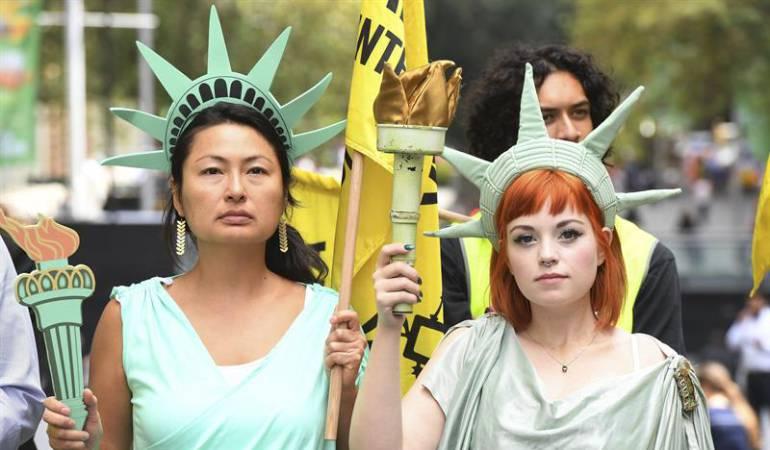 Imagen de referencia. Protesta en contra del vero migratorio de Trump.