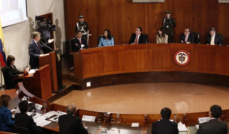 Corte tumbó primer decreto que expidió Gobierno vía fast track