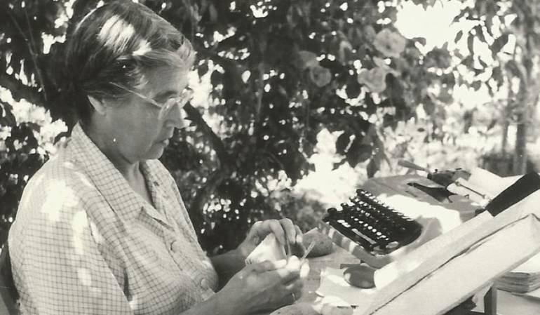 María Moliner escribió el Diccionario de Uso del Español en soledad.