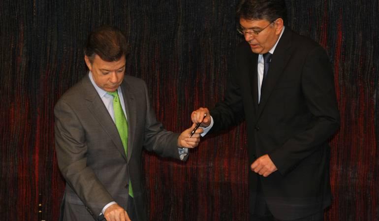 adición presupuestal para posconflicto: Santos se reúne con Minhacienda para presentar adición presupuestal