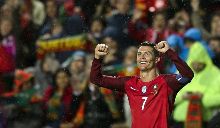 Cristiano guía a Portugal, Giroud a Francia; Holanda y Bélgica se enredan