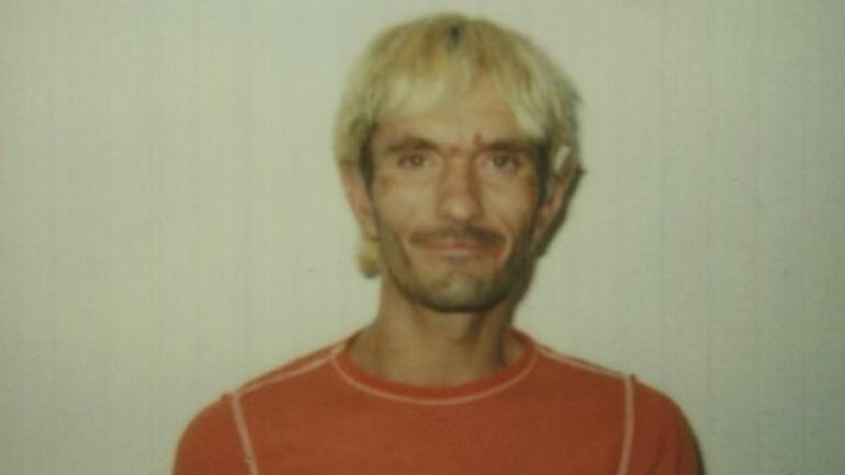 La vida de Khalil Rafati estaba siendo destruida por la drogadicción.