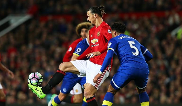 Manchester United Ibrahimovic: Ibrahimovic rescata un punto para el Manchester United en el minuto 94