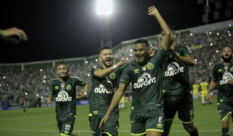 Chapecoense Nacional: Chapecoense toma ventaja en la Recopa tras vencer a Nacional