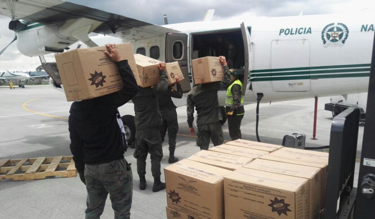 Ayuda humanitaria transportada por la Policía para damnificados de Mocoa.