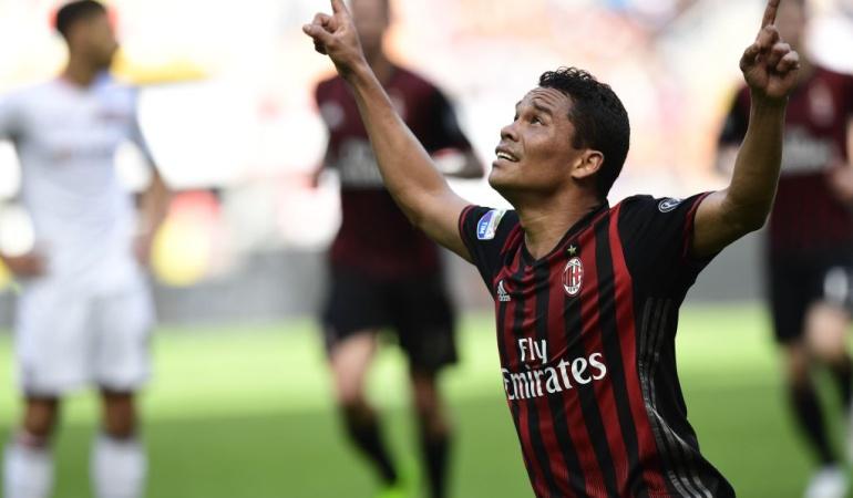Gol de Carlos Bacca en goleada del Milán sobre Palermo