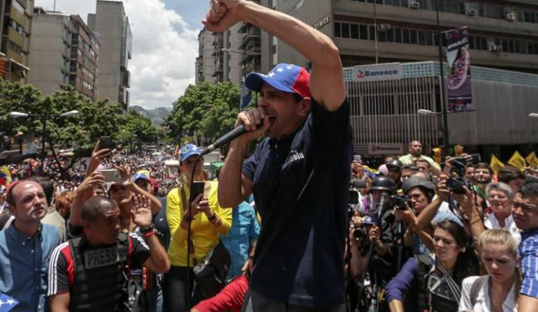 Crisis Venezuela: Capriles dice que el ministro de Interior comanda grupos paramilitares en Venezuela