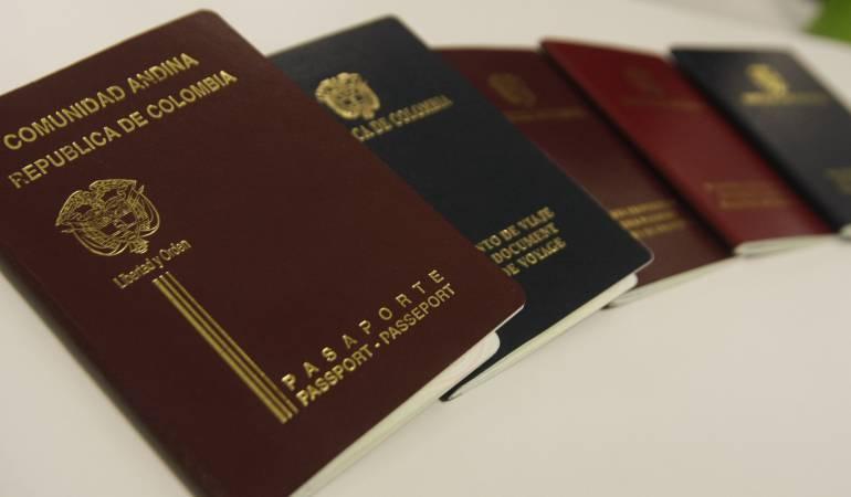 Visa: Unos 180 médicos cubanos esperan en Bogotá visa de EEUU tras desertar Venezuela