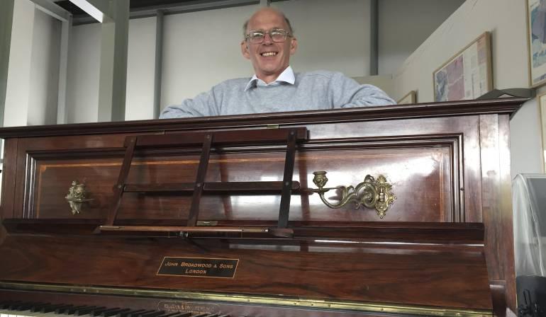 Monedas de oro en piano: Encuentran monedas de oro escondidas en un viejo piano