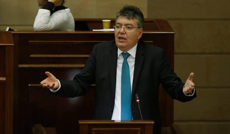 Mauricio Cárdenas ministro de Hacienda