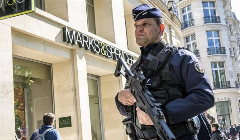 Atentado Paris: Francia cierra su campaña electoral atemorizada por el terrorismo