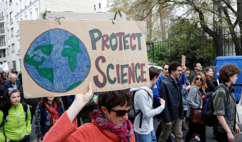"""""""Marcha por la Ciencia"""" en París"""