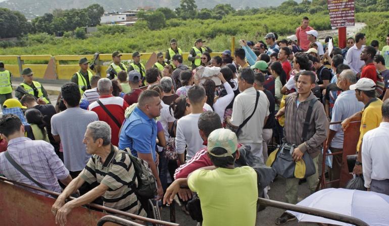 Colombia exigirá tarjeta de movilidad en frontera con Venezuela