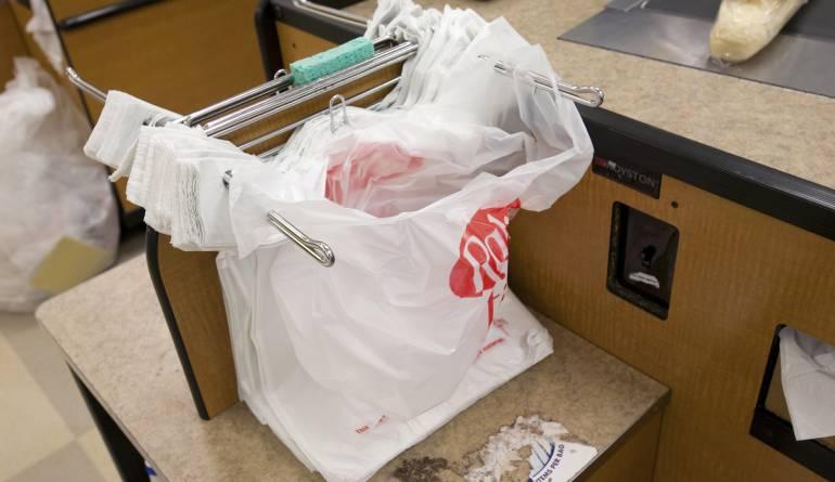 Impuesto por el uso de bolsas plásticas: Desde el 1 de julio a pagar impuesto por el uso de bolsas plásticas