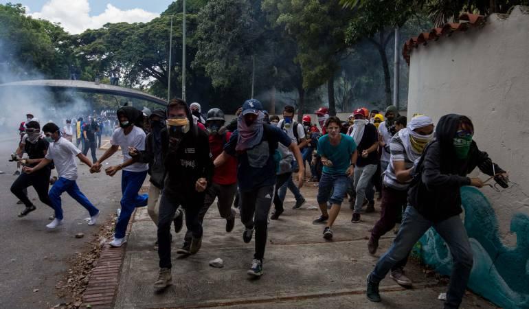 Resultado de imagen para protestas en valencia venezuela hoy
