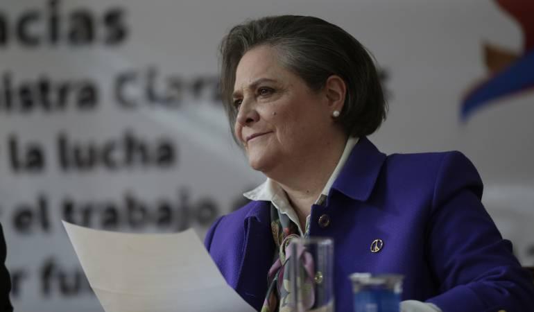Clara López presentó su renuncia al Ministerio de Trabajo