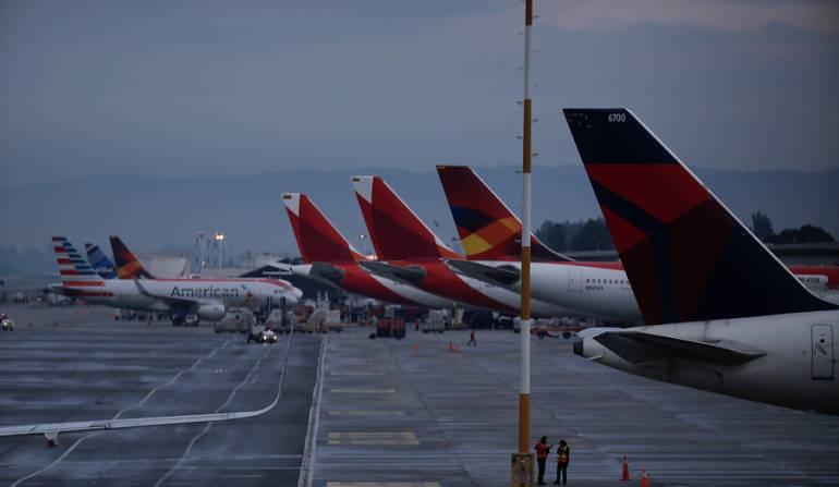 Tráfico aéreo en el Aeropuerto el Dorado